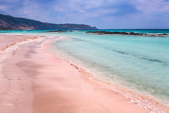 Bezoek het roze strand Elafonissi op Kreta, Griekenland